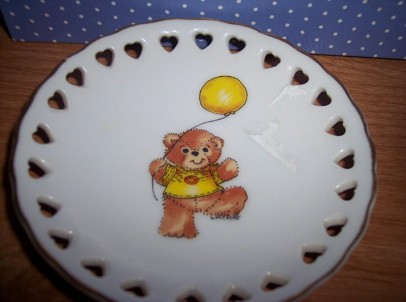 Bear with balloon mini plate with heart cutouts