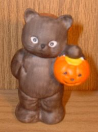 Bear as Black Cat standing holding pumpkin G12-3-6