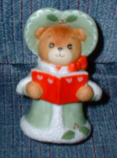 Large Green Caroler C2-2-2