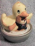 Bear in duck costume in silver tub G28-2-6 - Click Image to Close