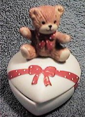 Red bow bear heart shaped trinket box