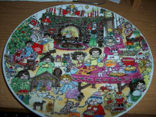 1979 Christmas Living Room Plate P1-1-2