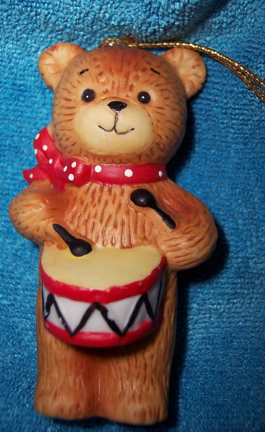 Bear with drum Ornament H1-1-1