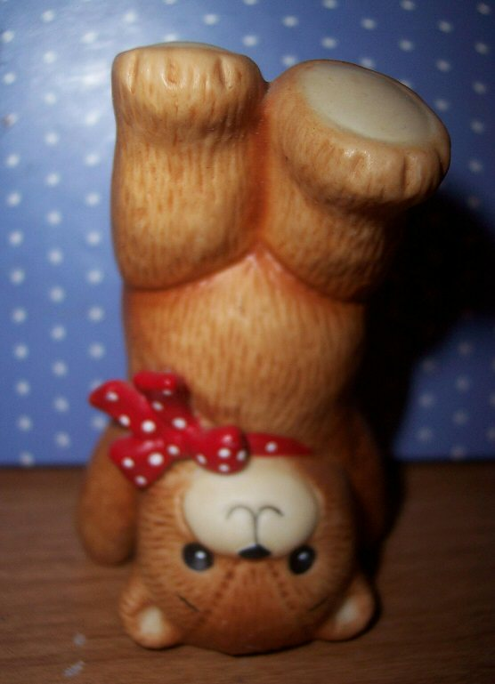 Bear standing on head G3-3-5