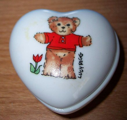 Red shirt bear heart trinket box