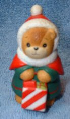 Christmas Shopper bear with red hood C5-1-8 MIB ***