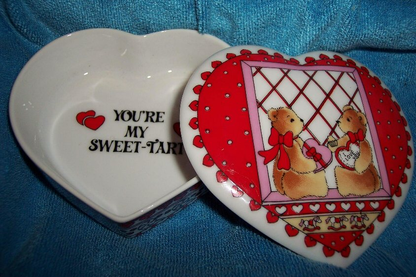 Valentine bears in window trinket box