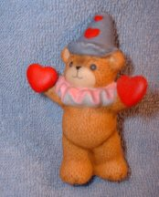 Valentine clown with heart in each paw G7-3-5 ***