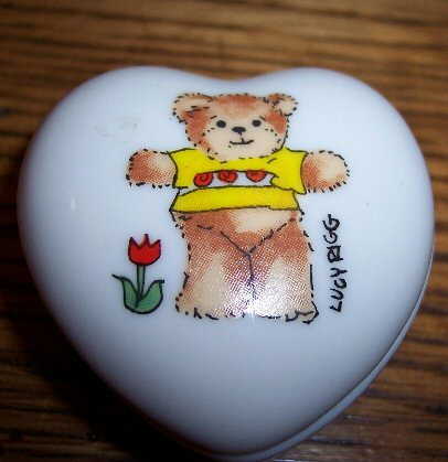Yellow shirt bear heart trinket box